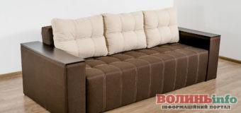 Прямой диван: преимущества и критерии выбора