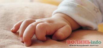 Щоб не кричав: мати задушила свого 4 місячного малюка