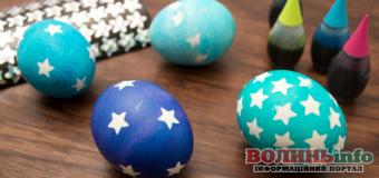 Готуємося до Великодня: цікаві ідеї, як прикрасити яйця разом з дітворою