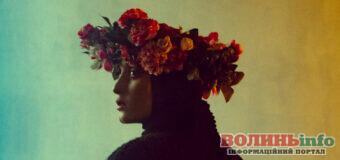 """""""розМова"""" – новий альбом Alina Pash: пісні  з українськими народними мотивами, в яких ідеться про переживання та думки артистки."""