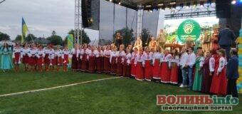Святковий концерт та народні гуляння – у Підгайцях гучно відсвяткували День громади
